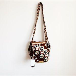 brand new femme faire woven bucket bag